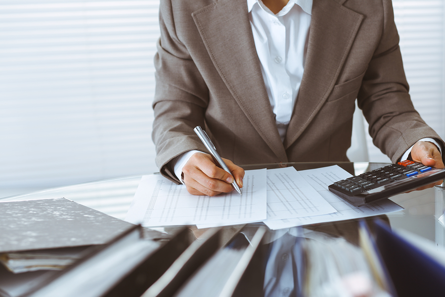 professional bookkeeping services expert working on personal finances