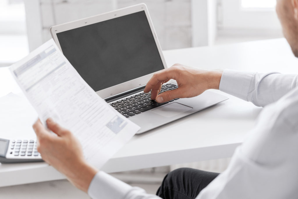 professional bookkeeping services expert doing quickbooks consulting